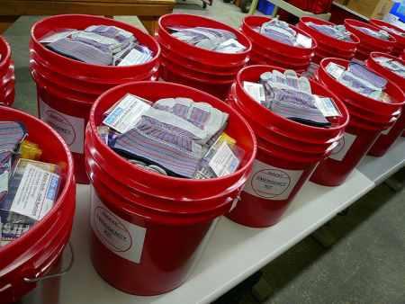 emergency-kit-5-gallon-bucket1