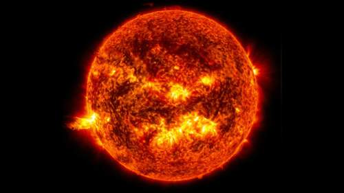 astronomers-discover-earth-sun-sister.si